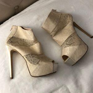 Shoedazzle Used Lace Platform Zipper Ankle Bootie